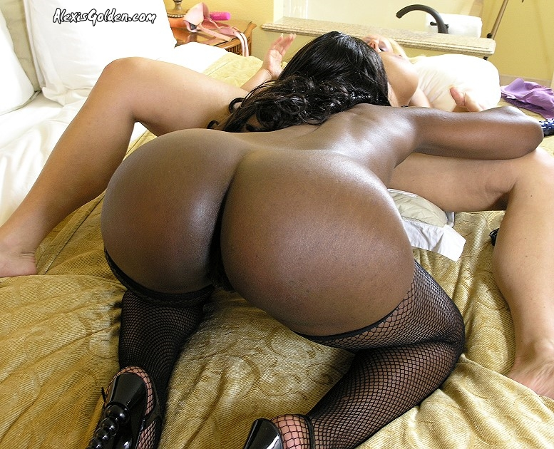 Ebony Milf Caught Masturbating